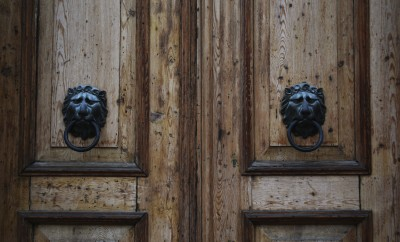 Wooden Vintage Brown Door Lion Knocks