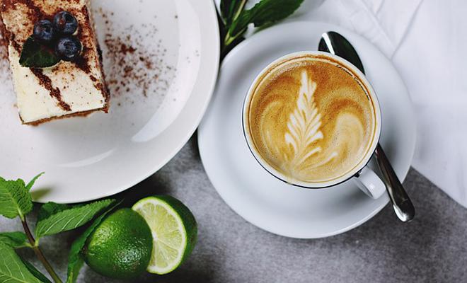 Cappuccino Köpük Süsü ile İkram