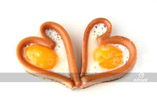 Kalp şeklinde yumurtalar