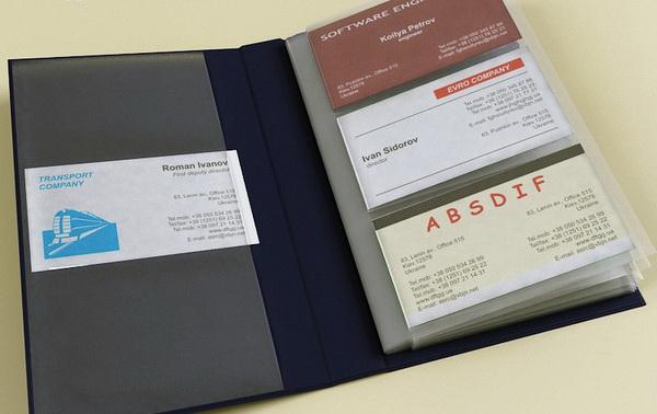 Eski bir kartvizit albümünü kumaş onarım setine dönüştürün