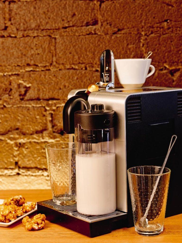 Nespresso kahve makinesi: Lattissima Pro