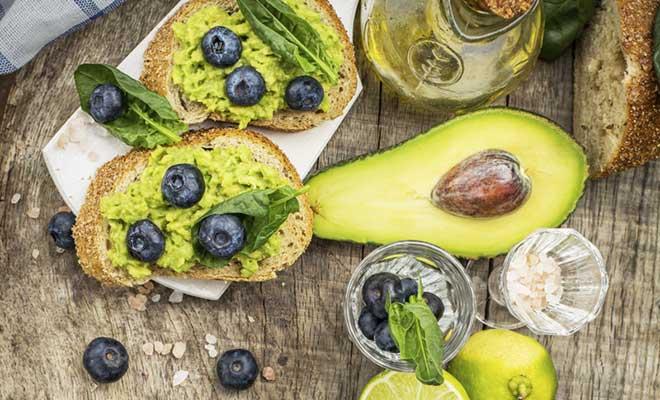 Avokado Nasıl Soyulur ve Tüketilir?