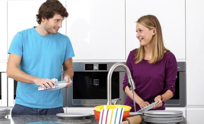 Bulaşıklarınızı Makinaya Yerleştirmeden Önce Durulamayın