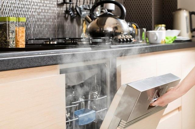 Cam Bardakta Oluşan Bulaşık Makinesi Lekeleri Nasıl Engellenir ?
