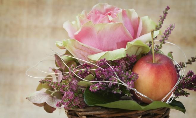 Meyve ile Rengarenk Çiçek Düzenleme Fikirleri