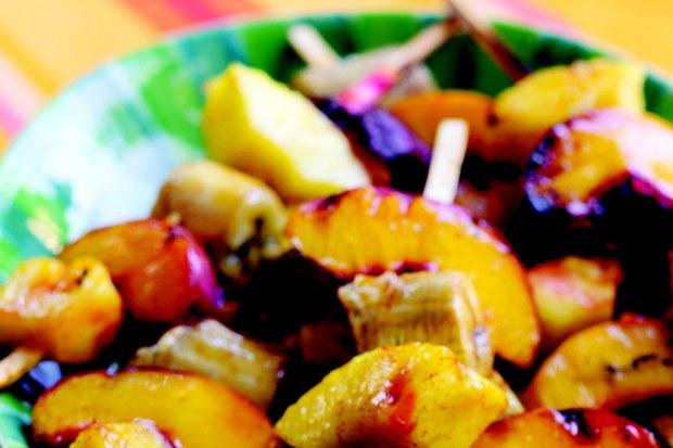 baharatlı fruit kebab
