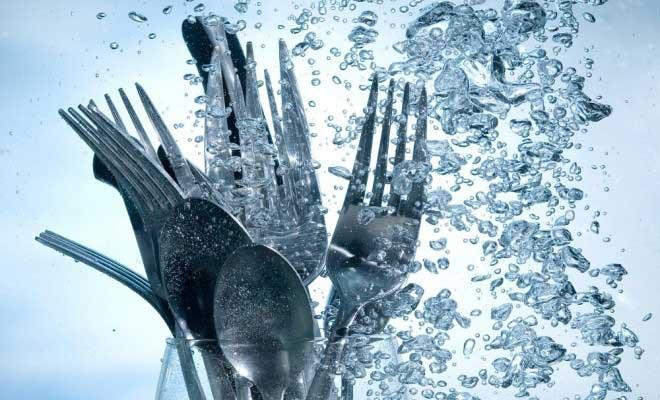 Bulaşıklardaki Su Lekeleri Nasıl Çıkarılır?