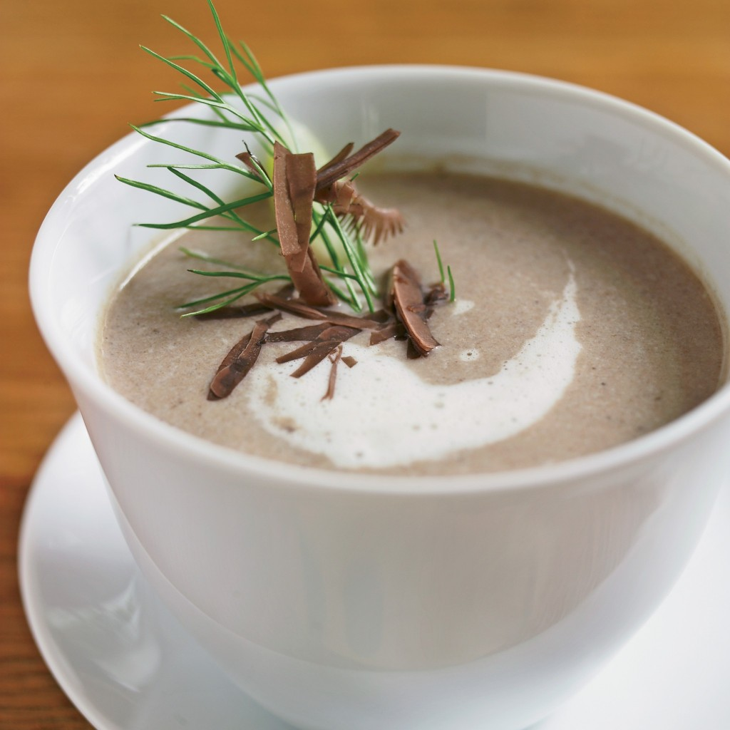 mushroom-soup-with-toasted-bread