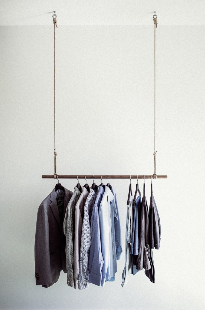 clothes-rail-918859_1280