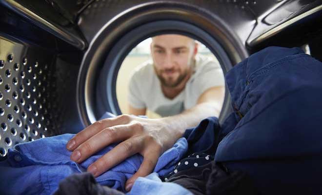 Çamaşırlarda Kalan Deterjan Lekesi Nasıl Giderilir?