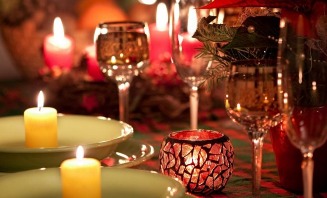 Romantik Yemeklerin Vazgeçilmezi: Mum Işığı