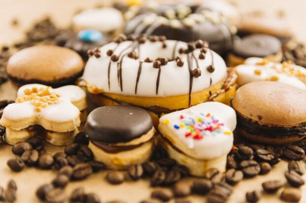 Çikolata ile kurabiye süsleme